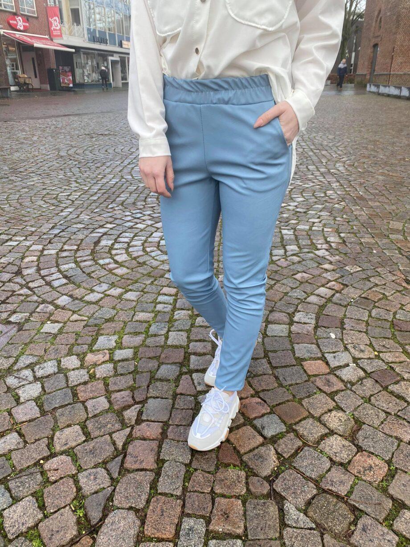 broekblauw